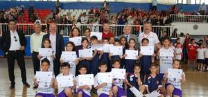 İlkokul Fiziksel Etkinlikler Oyunları sona erdi Göksu İlkokulu öğrencileri yarışmalardaki en büyük başarıyı elde etti