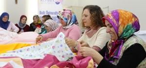 Ev hanımları kursta ürettikleri ürünleri ihtiyaç sahiplerine gönderecek Öğrenirken ürettikleri giysiler, ihtiyaç sahiplerinin umudu olacak