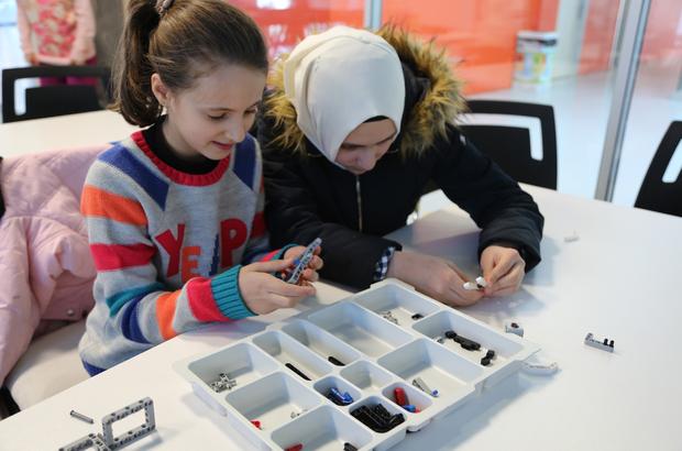 """İstanbul Gençlik Festivali'nde """"Zemin İstanbul"""" ilgi görüyor"""