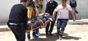 Tartıştığı annesini korumaya çalışan üvey babasını vurdu Konya'da alkollü olduğu iddia edilen genç, tartıştığı annesini korumaya çalışan üvey babasını önce bıçaklayıp, ardından tüfekle vurarak yaraladı