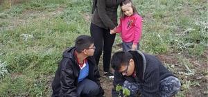 Uşak Üniversitesi öğrencilerinden 'Engel değil destek olalım' projesi