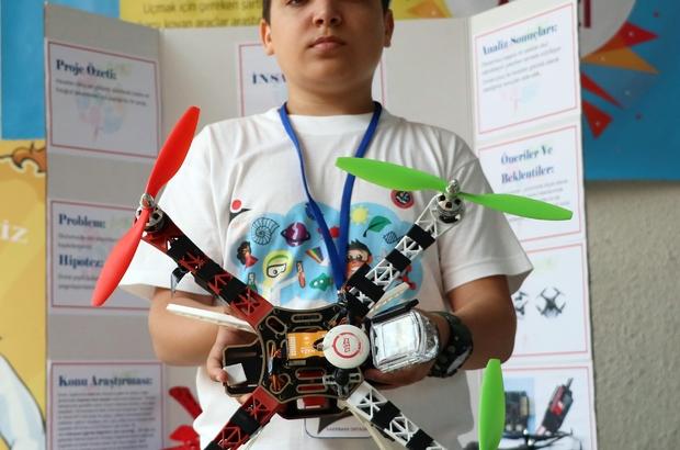 """Öğrenciler etkinlikleri havadan görüntülemek için drone üretti Teknoloji Tasarım Öğretmeni Gündeşlioğlu: """"Drone'u piyasa fiyatının yarısına mal ettik"""""""
