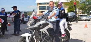 Özel günlerinde motosikletle tur atarak TOMA'dan su sıktılar