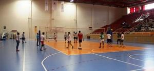 DÜ'de Spor Şöleni tamamlandı Spor şöleni 'Kazan, kaybet yok, dostluk var' sloganı ile tamamlandı