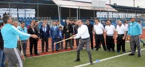 Şırnak beyzbolu karşılaşmasını Başkan Bedirhanoğlu başlattı