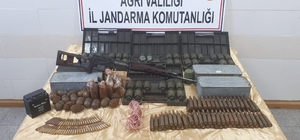 Ağrı Dağı'nda PKK sığınağında 61 el bombası ele geçirildi