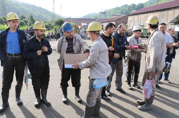 30 işçinin öldüğü maden faciasının 8. yıl dönümü Madende ölen işçiler dualarla anıldı