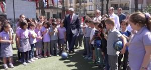 Nazilli Belediyesi, Cumhuriyet İlkokuluna halı saha kazandırdı