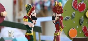 Ahşap oyuncak geleneği Kahranmaraş'ta yaşatılıyor Kahramanmaraş Büyükşehir Belediyesi tarafından dezavantajlı gruplar için açılan 'Ahşaptan oyuncak tasarım' kursu büyük ilgi görüyor