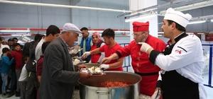 Nevşehir'de iftar çadırında ilk iftar heyecanı yaşandı