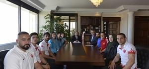 Rektör Prof. Dr. Mustafa Çufalı'dan şampiyonlara teşekkür