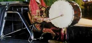 Datça'da Ramazan davuluna hanımeli değdi Yöresel kıyafetler giyen Davulcu Özlem, Datçalılara farklı bir Ramazan yaşattı