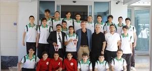 Sakaryaspor U15 Futbol Takımından Başkan Duymuş'a ziyaret