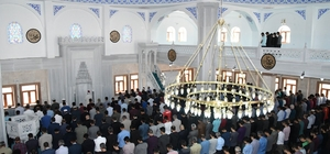 Üniversite cami ibadete açıldı