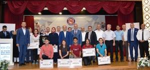 Bir Bilenle Bilge Nesil Projesi tamamlandı Kitap okuma projesi kapsamında dereceye giren öğrencilere ödülleri verildi