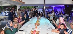 Vali Çeber,vatandaşlarla beraber iftar açtı