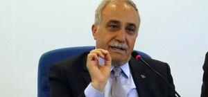 """Bakan Fakıbaba'dan fıstık açıklaması Gıda Tarım ve Hayvancılık Bakanı Ahmet Eşref Fakıbaba: """"Fıstık stokçularına izin vermeyeceğiz"""""""