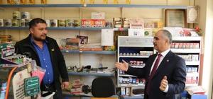 Başkan Aydın mahalle bakkallarına destek verdi Sivas Belediye Başkanı Sami Aydın, büyük market zincirleri karşısında yok olmaya başlayan mahalle bakkallarına destek verdi