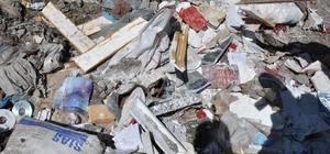 Çöplükte FETÖ'nün kitap ve CD'leri bulundu