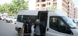 Uyuşturucu satışından ordudan atıldı, ardından suç örgütü kurdu Polisten, ordudan atılma eski astsubay liderliğinden zehir tacirlerine yönelik operasyon Denizli'de uyuşturucu satışı yapan örgüte yönelik operasyon: 4 gözaltı