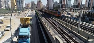 Alparslan Türkeş Bulvarı'nda ilk etap tamam Adana Büyükşehir Belediyesi'nin Alparslan Türkeş Bulvarı'nda uyguladığı Farklı Seviyeli Kavşak Projesi'nde Vilayet Konağı'ndan Kurttepe istikametine gidiş yönü 19 Mayıs'tan itibaren trafiğe açılıyor