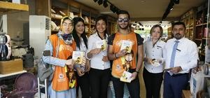 E-MÖP projesine üniversite öğrencilerinden destek Üniversite öğrencileri vatandaşı ve esnafı bilgilendirdi