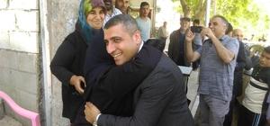 Taşdoğan'dan adaylık sevincini annesi ile yaşadı
