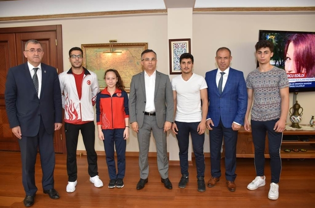 Şampiyonlardan Çeber'e ziyaret