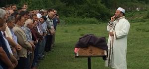 Yıldırım düşmesi sonucu ölen adam toprağa verildi