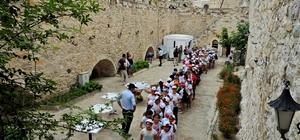 Çeşmeli öğrenciler, Müzeler Günü'nde Çeşme Kalesi'ni gezdi