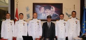 Askeri gemilerin komutanları Belediyeyi ziyaret etti