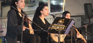Hakkari'de Elifi Nağme konserine büyük ilgi