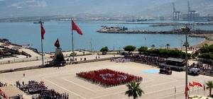 İskenderun'da 19 Mayıs etkinliklerinde 600 öğrenciden Türk bayrağı koreografisi 19 Mayıs, İskenderun'da sportif etkinlikler ile kutlandı