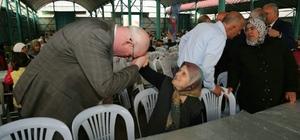 """Odunpazarı Belediyesinin iftar programları devam ediyor Başkan Kurt: """"Sabırla, inançla mücadele etmeliyiz"""""""