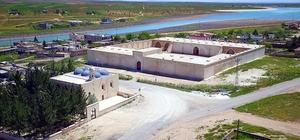 Türkiye'nin en büyük tarım müzesi kurulacak Tarım şehri Şanlıurfa'da tarım müzesi yapılacak Müzenin yapılacağı kervansaray bölgesi drone ile görüntülendi