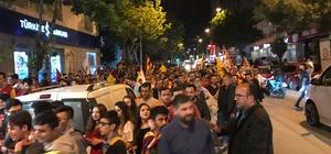Afyonkarahisar'da caddeler meşalelerle aydınlandı