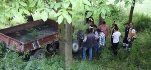 Devrilen traktörün sürücüsü hayatını kaybetti Oğlu dakikalarca babasının cansız bedeninin başından kalkmadı