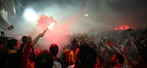 Florya Metin Oktay Tesisleri'nde şampiyonluk kutlaması