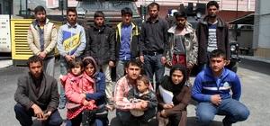 Muradiye'de 14 kaçak mülteci yakalandı Kaçak göçmenlerden birinin üzerinde 400 TL sahte para bulundu