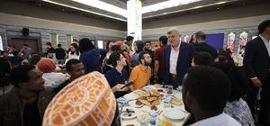 Başkan Karaosmanoğlu iftarda öğrencilerle buluştu