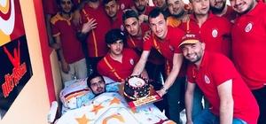 """Ultraslan engelli gencin hayalini gerçekleştirdi Galatasaray'ın taraftar grubu olan """"Ultraslan"""" Antakya Şubesi engelli Cuma Baykar'ın evini restore etti, Galatasaray maçlarını izlemesi için televizyon aldı Hataylı engelli Cuma Baykar, Teknik Direktör Fatih Terim ile görüşmeyi istiyor"""