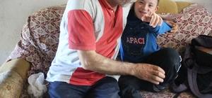 Çocuklarına bakmakta zorlanan baba cezaevindeki eşi için ev hapsi istedi Biri engelli 4 çocuğuna bakmakta zorlanan baba Mehmet Kakıcı, cezaevinde olan eşi için kalan 10 ayının ev hapsine çevrilmesini istedi