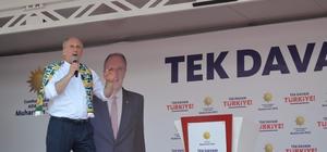 """Cumhurbaşkanı adayı İnce'den AB, ABD ve Suriye'ye barış mesajı Osmaniye'de düzenlenen mitingde vatandaşlarla buluşan CHP'nin Cumhurbaşkanı adayı Muharrem İnce, mitingde sıcaktan rahatsızlanan bir çocuğa bakması için Mersin Milletvekili Prof. Dr. Aytuğ Atıcı'yı yönlendirdi İnce: """"Ateşleyeceğiz Türkiye'yi hep birlikte"""" """"Suriye'de yeni bir anayasaya yapılmalı ve bu konuda destek olacağız. Bunlar sağlandıktan sonra burada zaten kalmazlar, davulla zurnayla giderler Suriye'ye"""""""