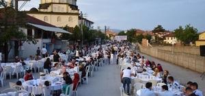 Düzce Belediyesi mahalle iftarları devam ediyor