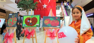 Şehirlerin sembolleri elma tablolarını renklendirdi