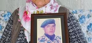 20 yıl sonra şehit sayıldı Kahramanmaraşlı Türkan Güneş, 1998 yılında görevdeyken geçirdiği kalp krizi sonucu hayatını kaybeden asker oğlu için başlattığı hukuk mücadelesini kazandı