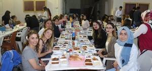 Altıntaş'ta üniversite öğrencilerine iftar