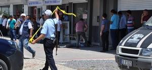 Hatay'da alacak verecek tartışması kanlı bitti: 2 ölü, 3 yaralı Kaçmaya çalışan 5 şüpheli polis tarafından yakalanarak emniyete götürüldü