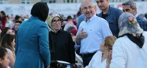 Mardin Valisi Yaman iftarını vatandaşlarla açıyor