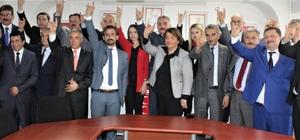 """MHP Genel Sekreteri Ataman:  """"CHP, yanına yöresine aldığı İP'iyle, PKK'sıyla FETÖ'süyle, HDP 'siyle komplo peşindedir"""" """"İllet ittifakı dediğimiz ittifakın ortak özelliği hepsinin PKK muhibi, Demirtaş sevdalısı olmasıdır"""" MHP Bursa Milletvekillerini tanıttı"""